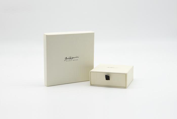 kundner-kartonagen-packaging-for-brands-verpackungen-baldessarini-hugo-boss