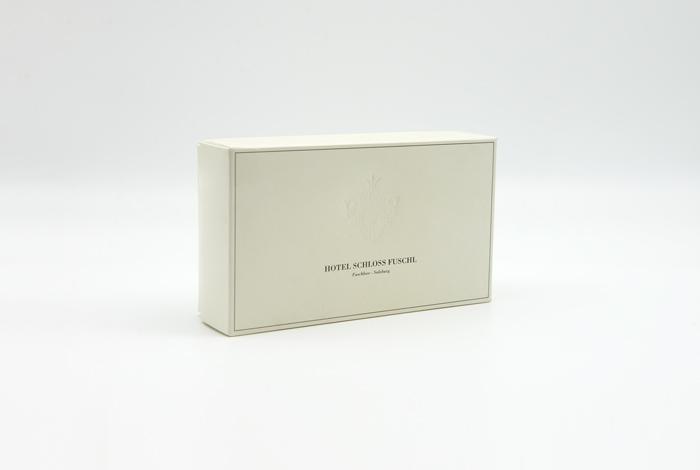kundner-kartonagen-packaging-for-brands-verpackungen-hotel-schloss-fuschl
